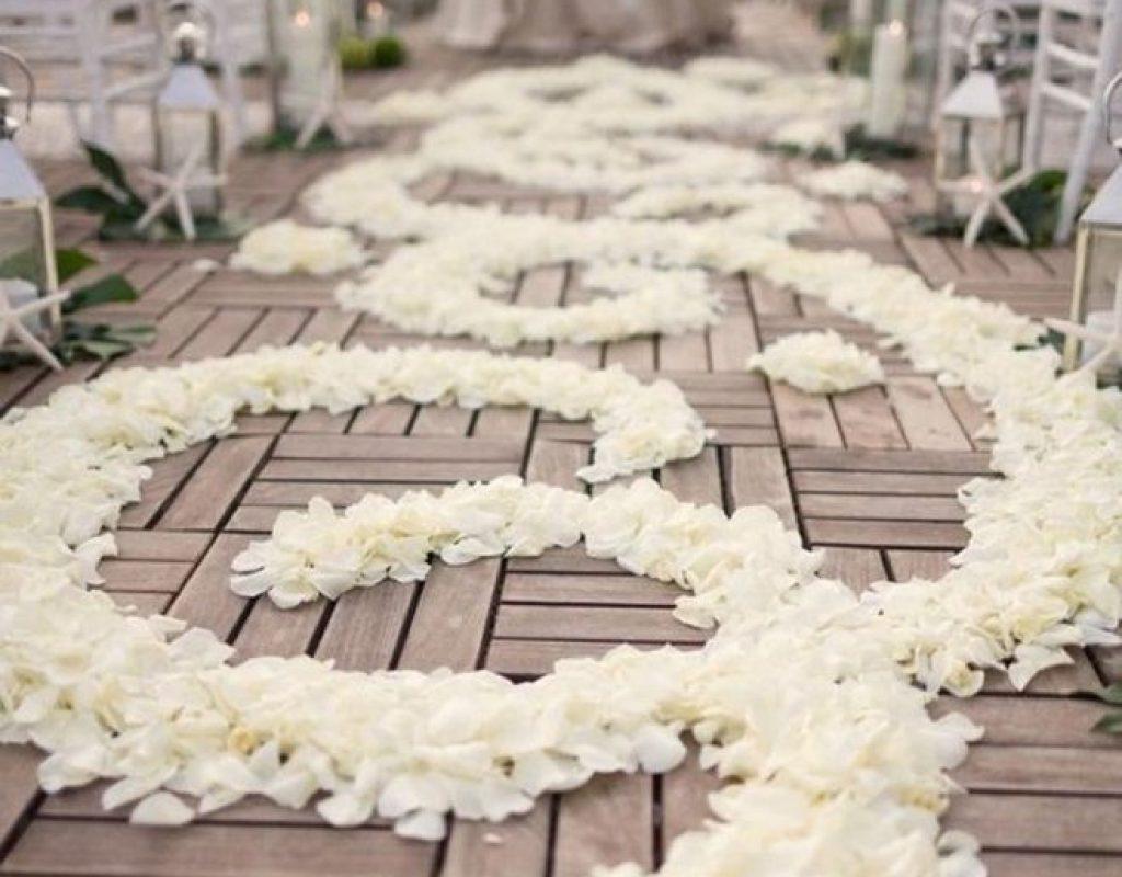 7f217736a81abfdcd61836451b895b3d--flower-petals-silk-rose-petals